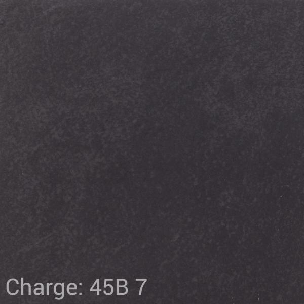 VUB_Ca80_2121_Cardesio_black_matt_R10_B_30x30_45B_7.png